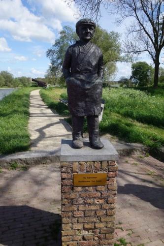 Tussen stop en rondleiding in Woudichem (23)
