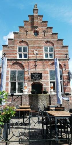 Tussen stop en rondleiding in Woudichem (26)
