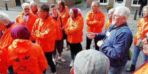 Tussen stop en rondleiding in Woudichem (3)